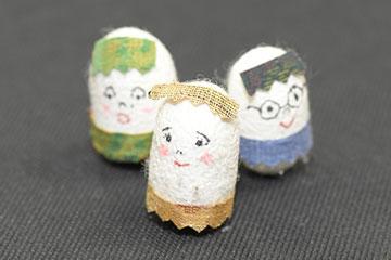 繭玉人形作りの写真